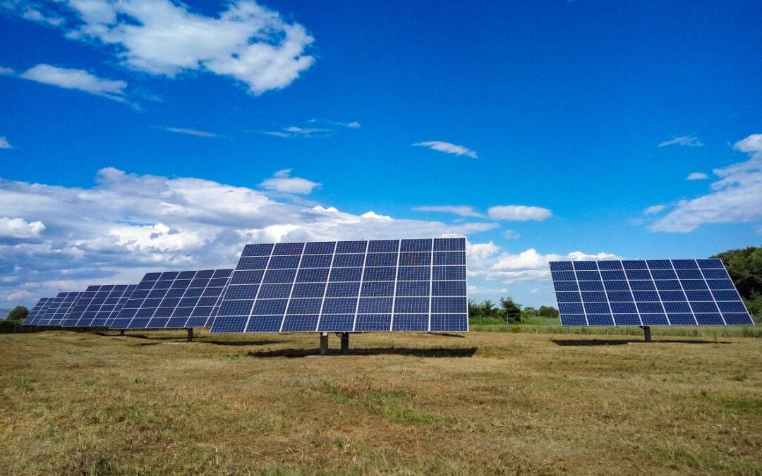 Εκτόξευση κατά 60% του νέου δυναμικού ανανεώσιμων πηγών ενέργειας