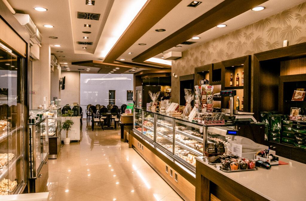 ΓΙΑΝΝΕΝΑ-Τα ζαχαροπλαστεία Καλατζόγλου ζητούν πωλητές/τριες για ένα από τα καταστήματά τους